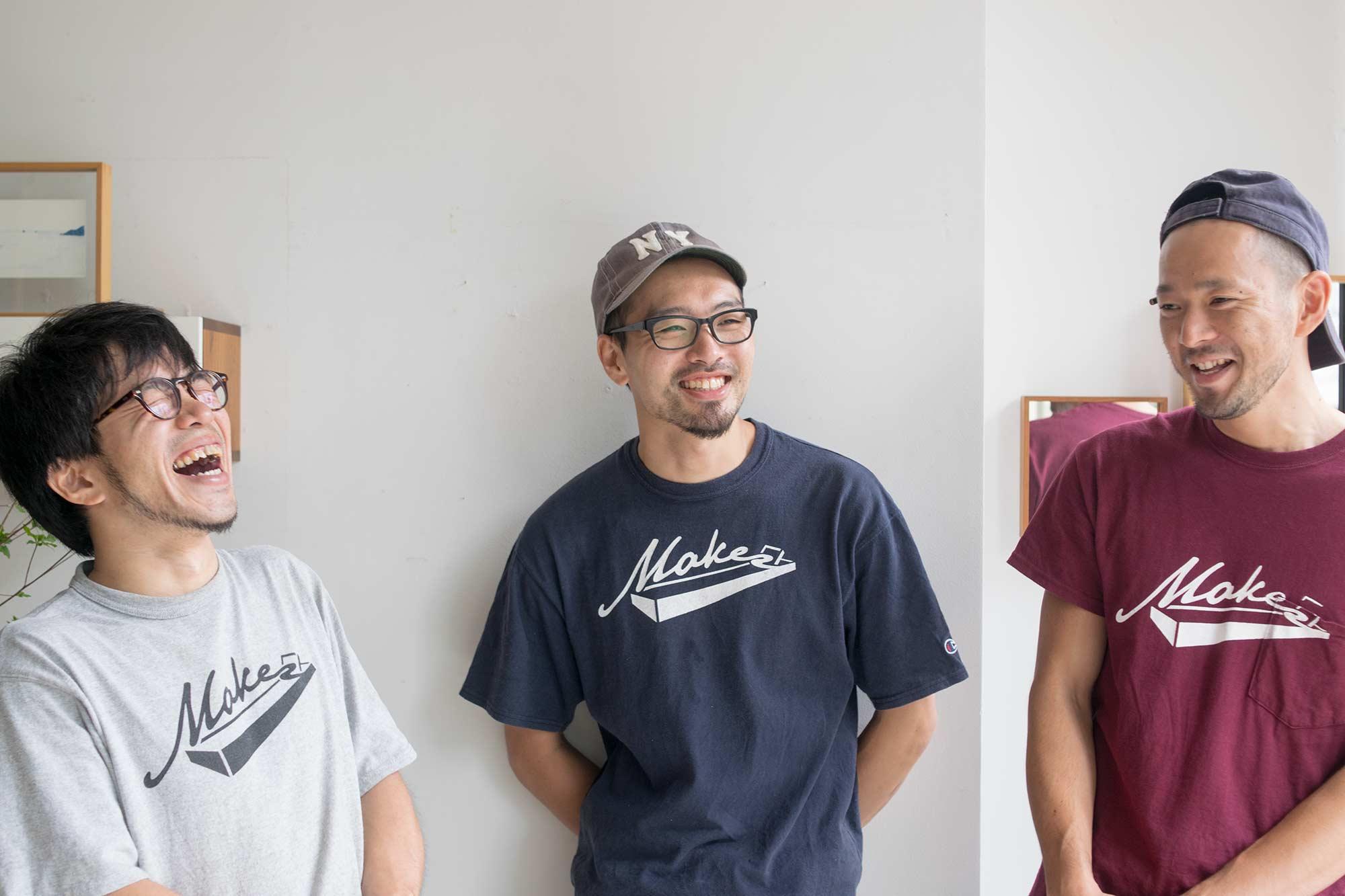 直井、藤本社長、鈴木工房長の写真