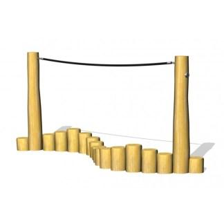 Balansgång med rep i obehandlad robinia