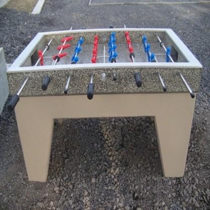 IP-MR8000 Fotbollsbord i betong från Woodwork AB