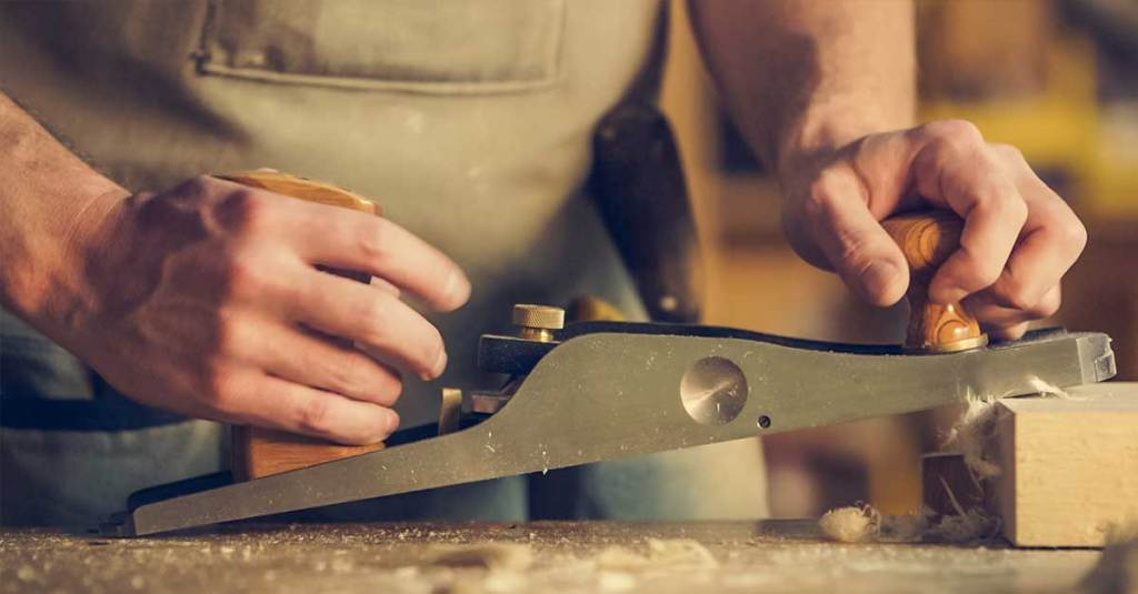 How to Plane a Door with Woodworking Tools! 1