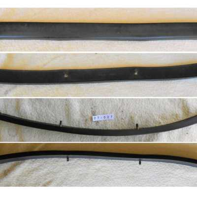 Datsun 240Z Front Bumper Rubber Strip (Large)
