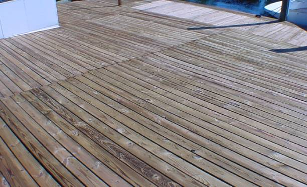 What to Use to Clean Deck Before Staining