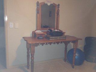 Dressing Table with mirror by Salko