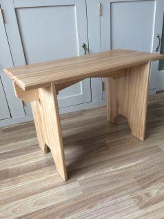 Shaker stool by Jonesywoo