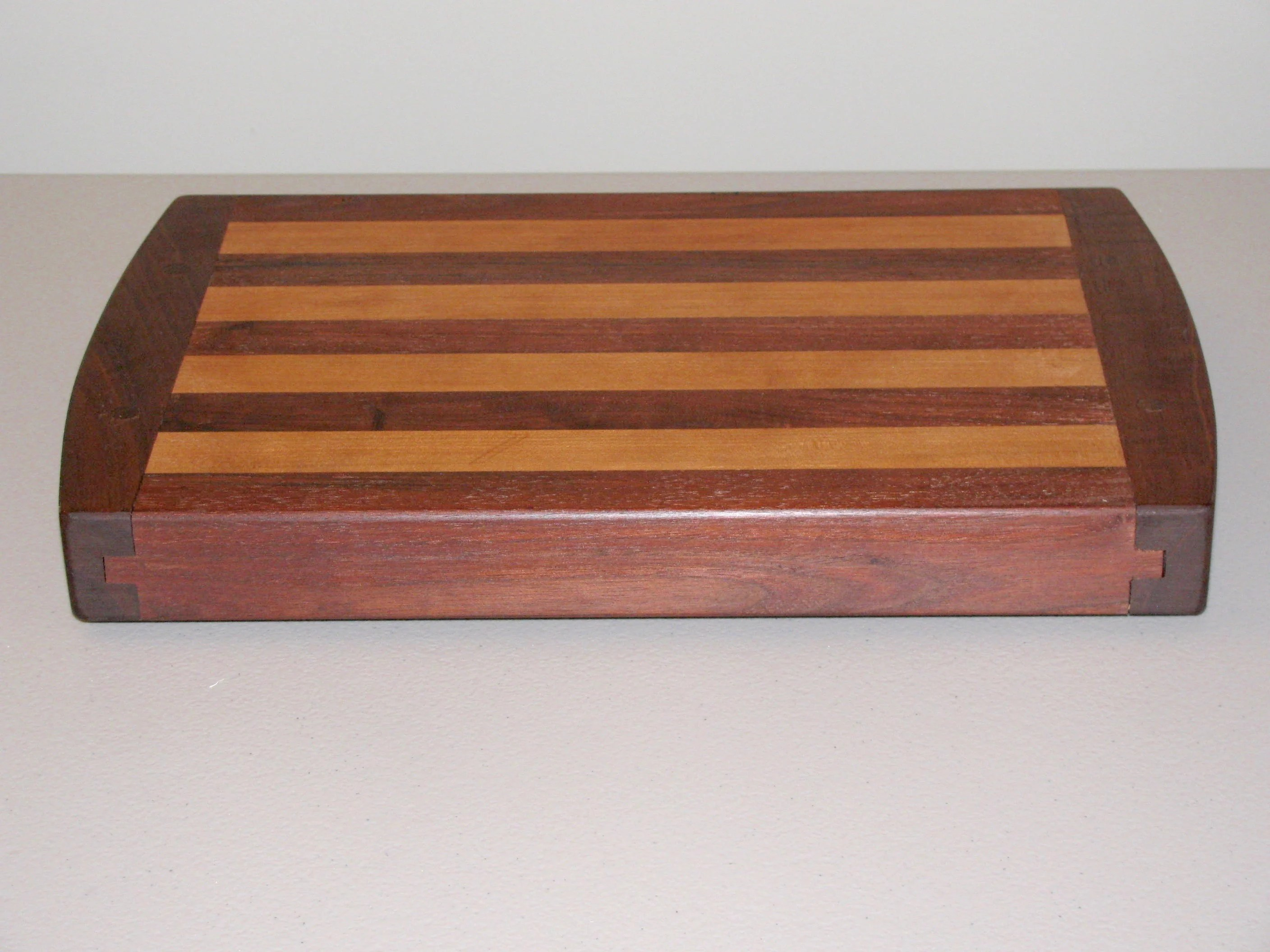 Breadboard-End Cutting Board by Tom Benim