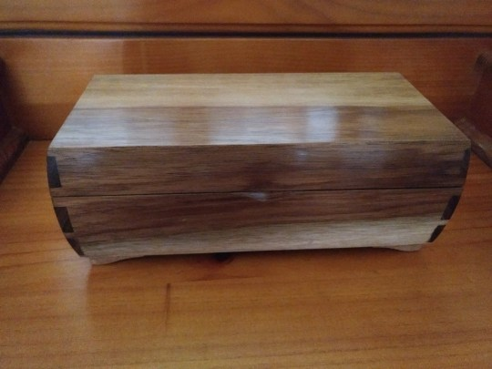 Made for my wife from Tasmanian Blackwood, put a divider down middle which was immediately removed. Better without it.