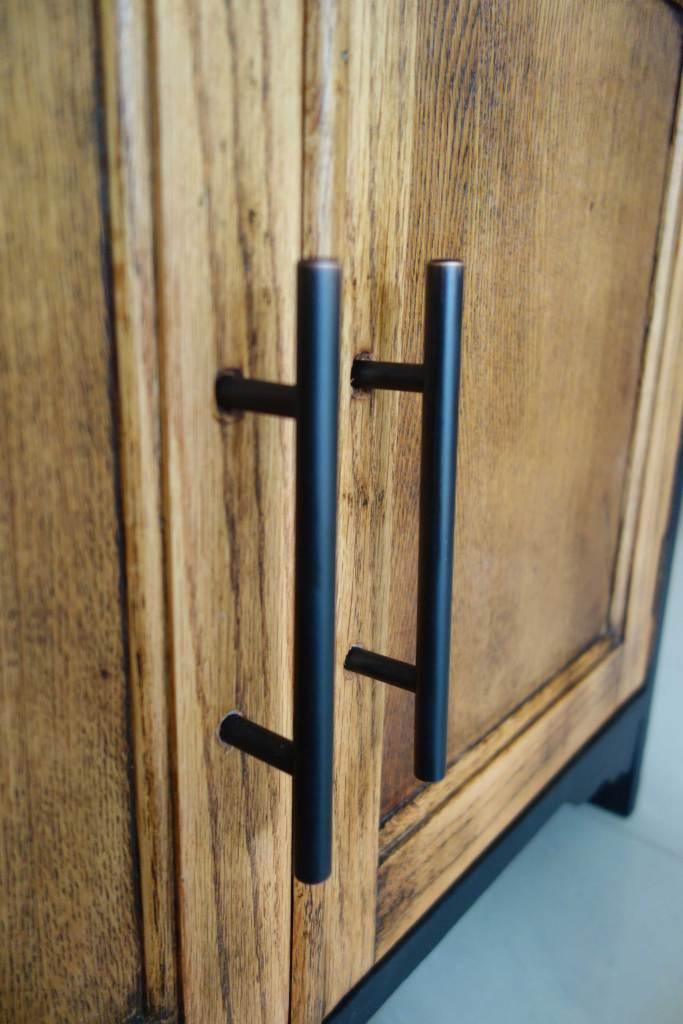 Bureau desk - Close up handles
