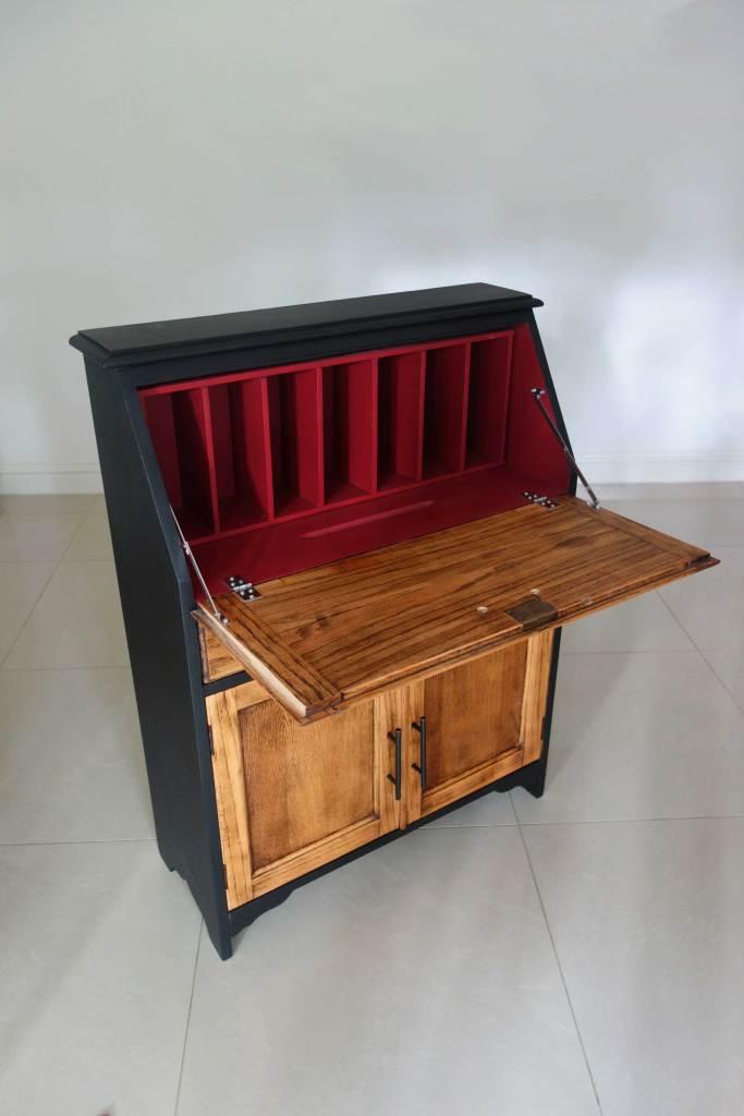 Bureau desk - Side view open