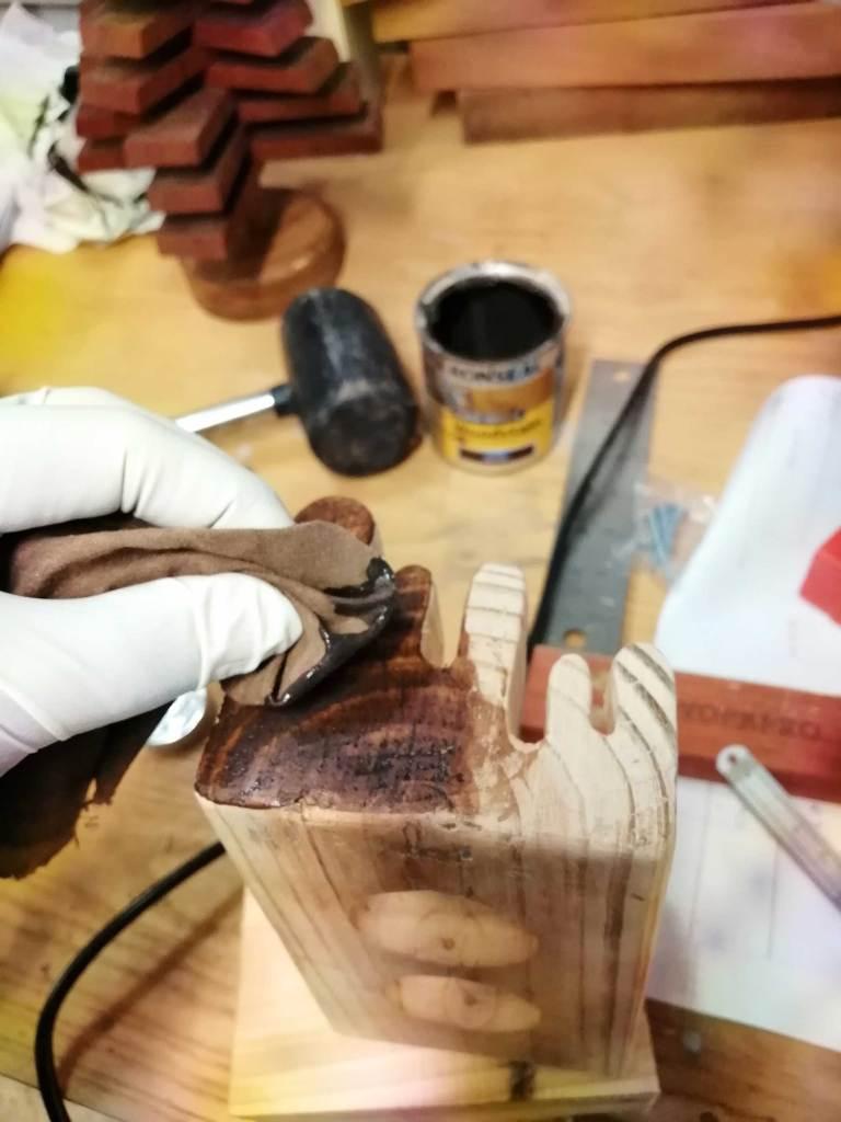 Melting tealight holder - Staining