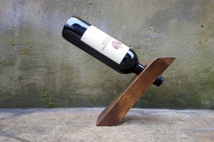 Floating wine bottle holder - Side view