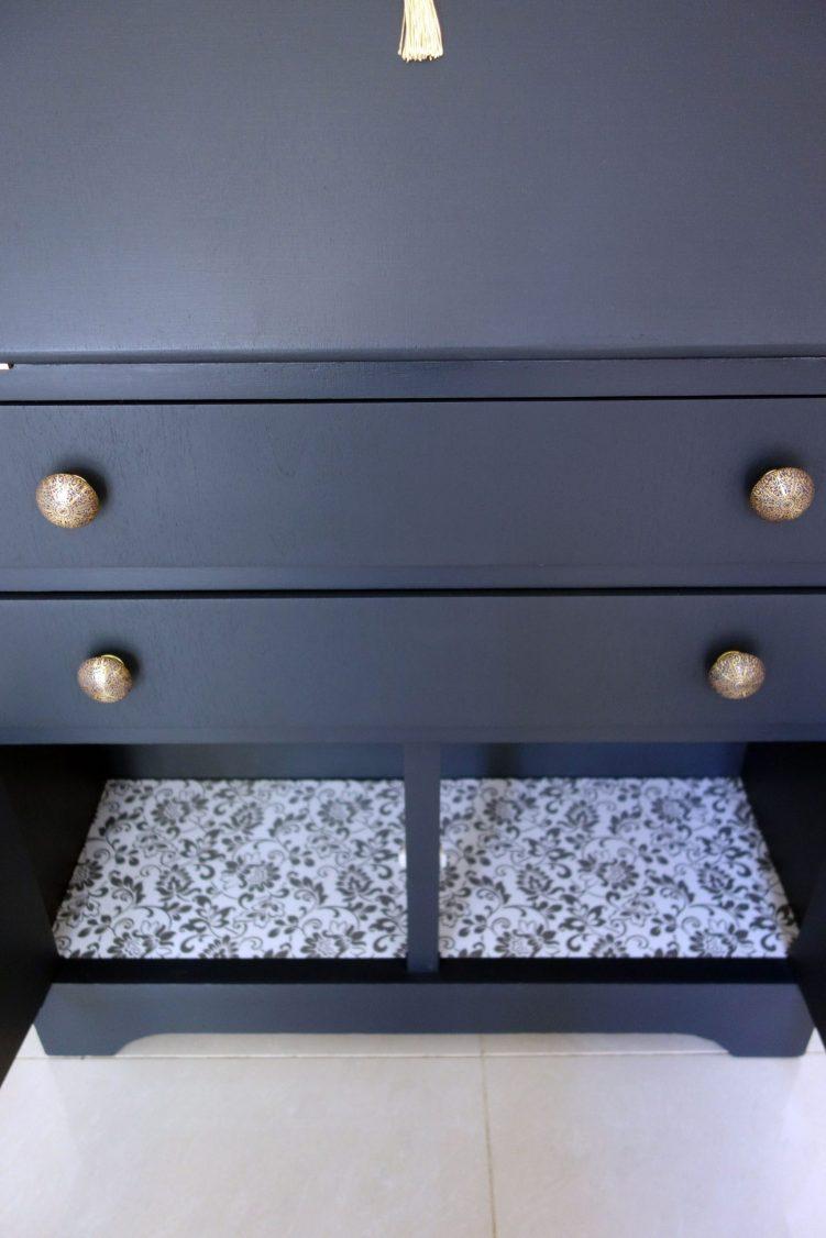 Bureau desk - Inside
