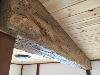 和室の装飾梁