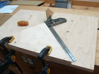 Initial set up, jammed a piece of masonite in kerf