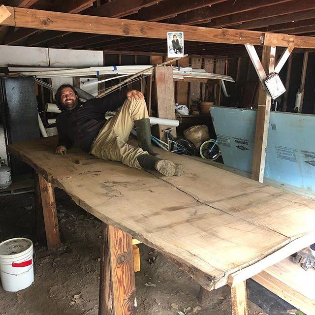 Personal project 11 feet x 53 inches table top red oak live edge, stay tuned, proyecto personal futura mesa de 3.35 metros de largo  x 1.35 metros de ancho de roble