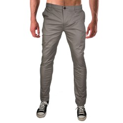 Men's Mesh-Lined Chino Pants