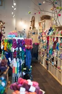 Knitting bee - Rose City Yarn Crawl-8