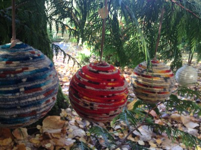 WOOLIE-BALLS-IN-CEDAR-TREE