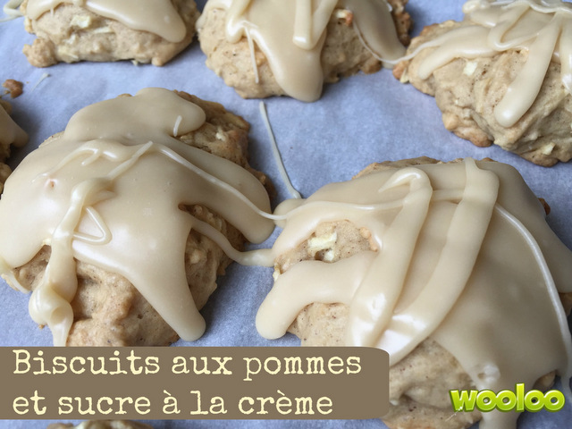 Biscuits aux pommes et sucre à la crème