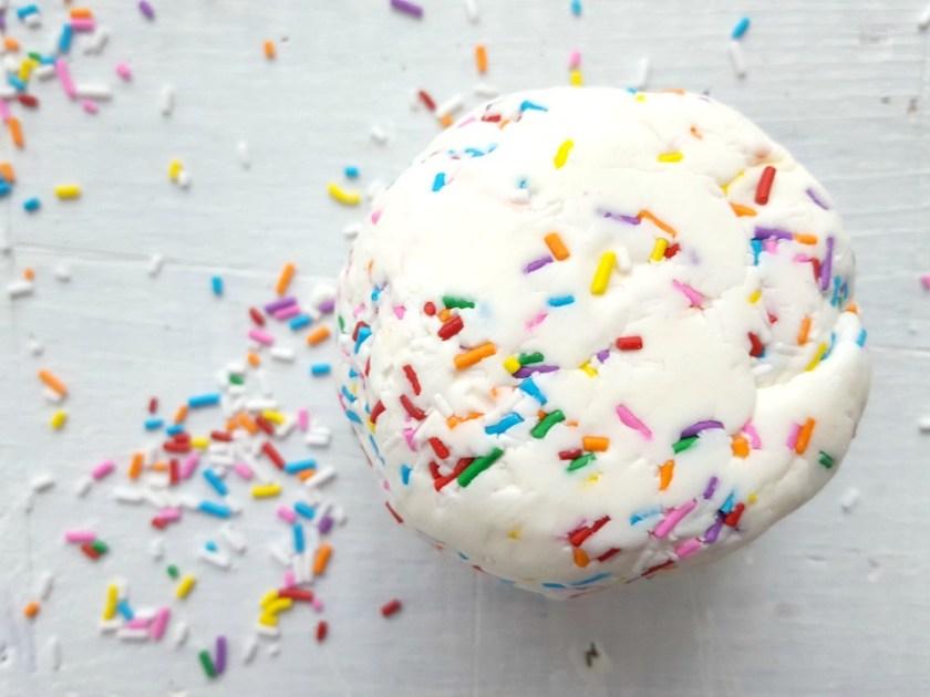Pâte à modeler à la pâte à gâteau