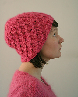 http://www.ravelry.com/patterns/library/waffel-hat