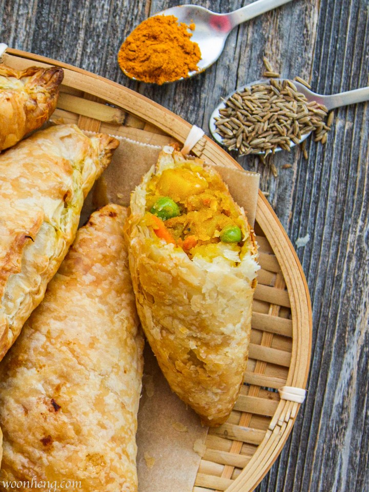 Baked-curry-puffs