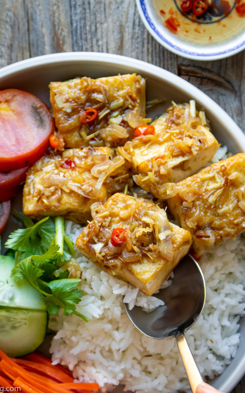 How to Make a Delicious Lemongrass Tofu in 30 Minutes