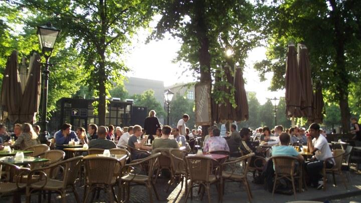terras_op_plein.jpg
