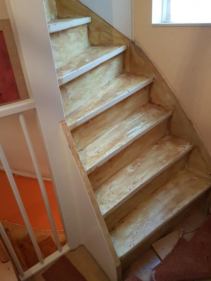 lijm van trap verwijderen