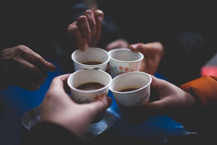 kopje koffie voor vriendschap