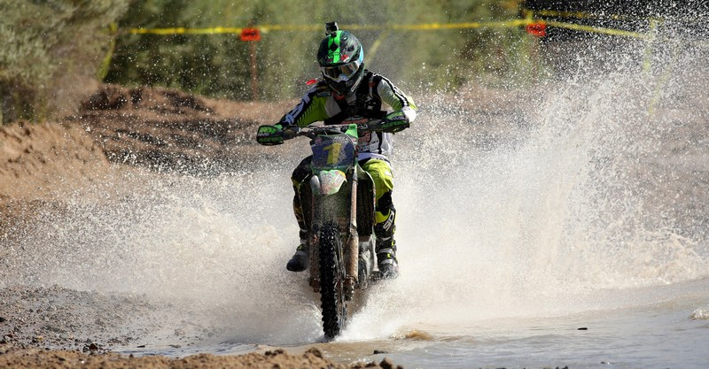 2017-04-robby-bell-water-worcs-racing
