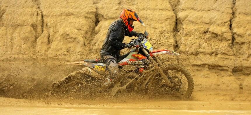 2019-02-dante-oliveira-water-bike-worcs-racing