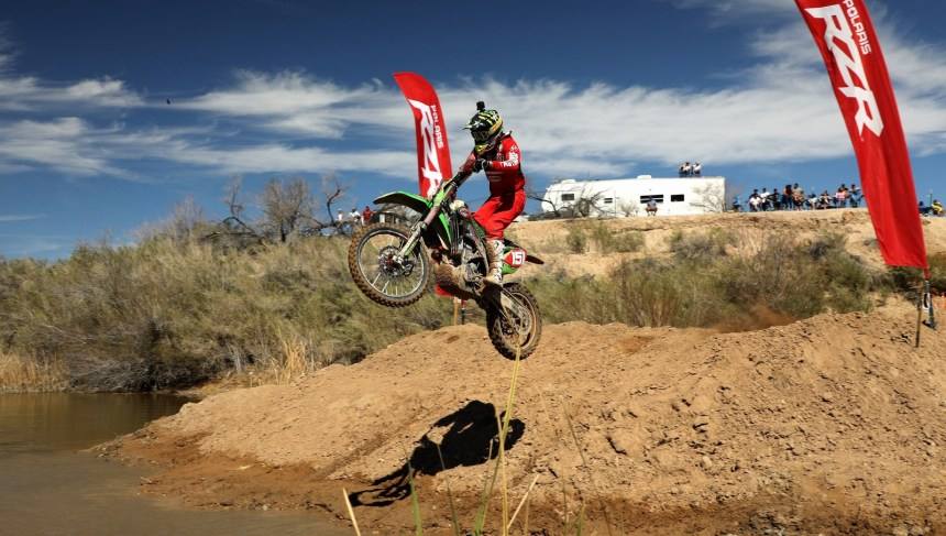 2019-03-clay-hengeveld-lagoon-jump-bike-worcs-racing