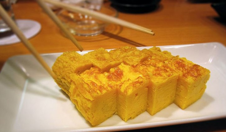 Photo credit:https://en.wikipedia.org/wiki/Tamagoyaki