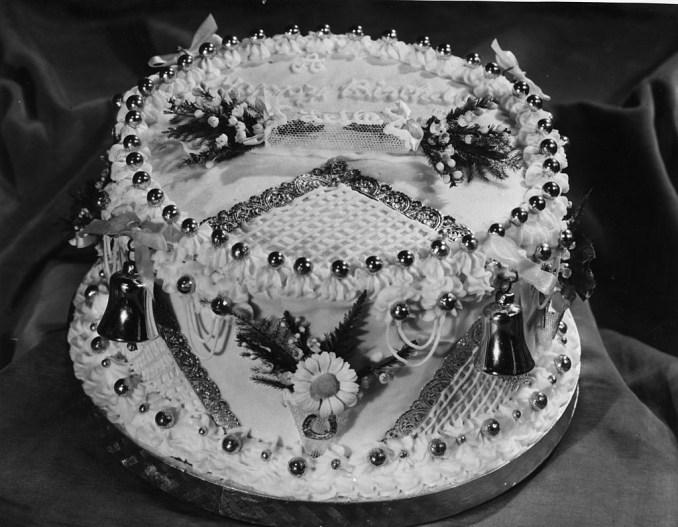 Suitable and Splendid Birthday Cake Writings