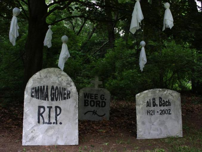Funny Tombstone Puns and Inscriptions