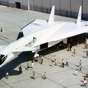 XB-70 Valkyrie gigantic supersonic strategic bomber