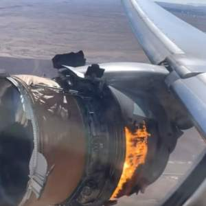 Plane Engine Explodes Mid-Flight - videos