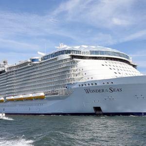 Wonder of the Seas world's Largest Cruise Ship