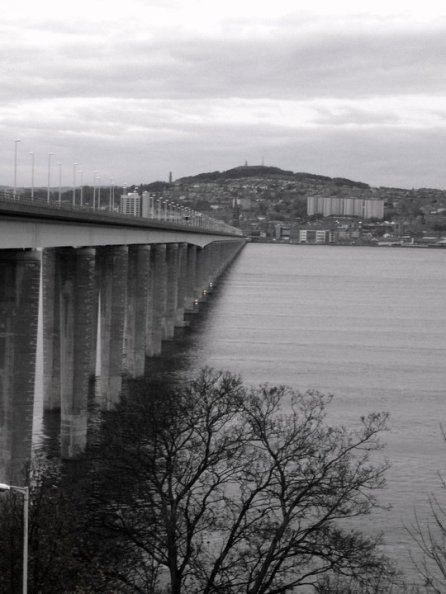 Dundee across the river