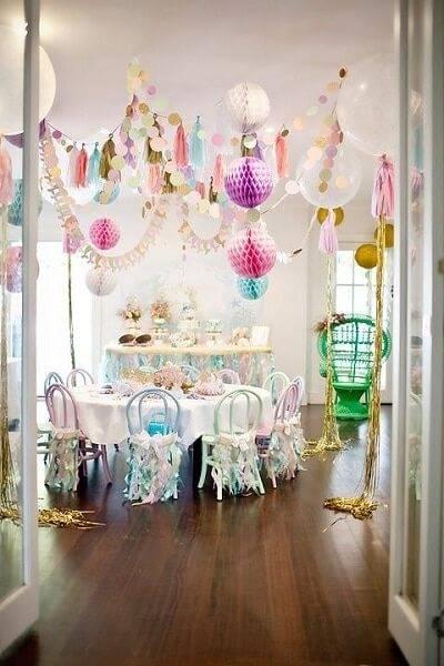 Como decorar um quarto para uma foto de aniversário 17