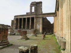 pompeii ruin
