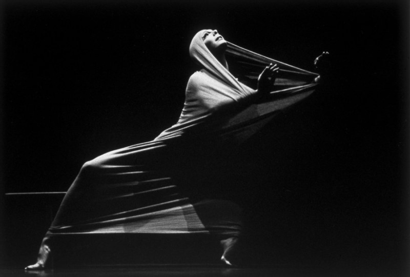 Photo: Martha Graham in a presentation of Lamentation