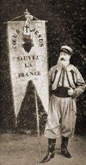 Bannière du Sacré-Cœur brodée en 1870 par les Visitandines de Paray-le-Monial à la bataille de Loigny