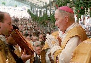 Mgr Lefebvre - Sacres 1988