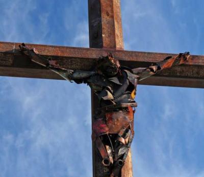 Un autre Christ en ferraille