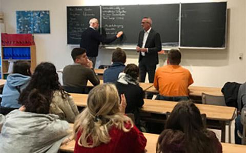 Dr. Werner Pfeil in Schule