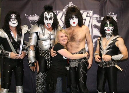 ..for sure this picture is the 'cherry on the cake' of my KISS fan-life, although the meet & greet was a dream come true and a nightmare at the same time because of Pauls strange behaviour:-/