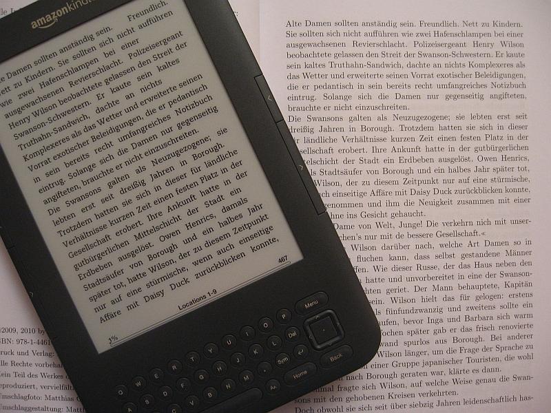 Eine Frage des Kontrasts: eReader im Vergleich zum Taschenbuch