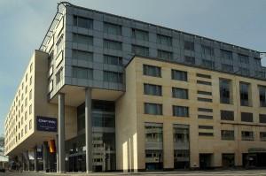 Aussenansicht des Dorint Hotel am Heumarkt Köln / Pipinstraße