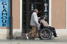 wheelchair-908343_1920